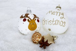 christmas-bauble-2956232__340